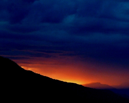 Stormy mountain_sunset_small