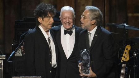Bob Dyland receives award from Jimmy Carter and Neil Portnow (NARAS)