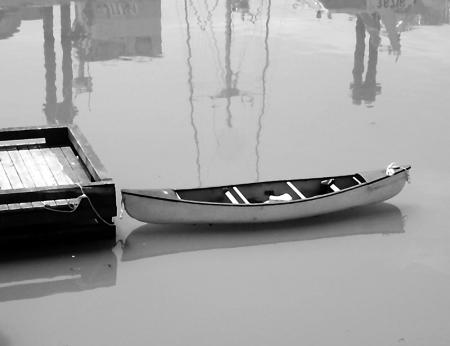 070603_canoe_bw__1