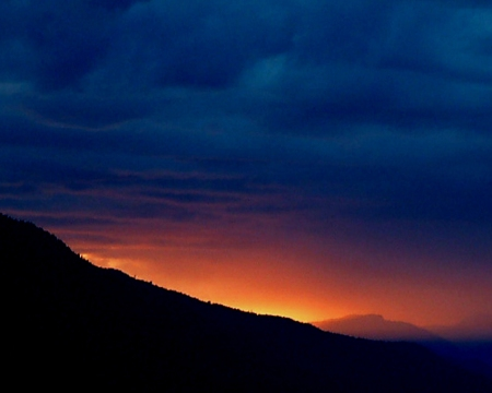 stormy mountain_sunset